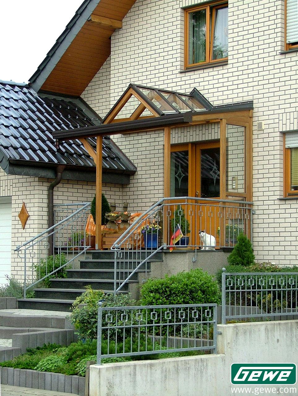 vordcher aus holz top bego holz und stahl with vordcher aus holz bei dieser villa in. Black Bedroom Furniture Sets. Home Design Ideas